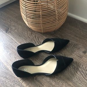 Vince Camuto Black pointed flats